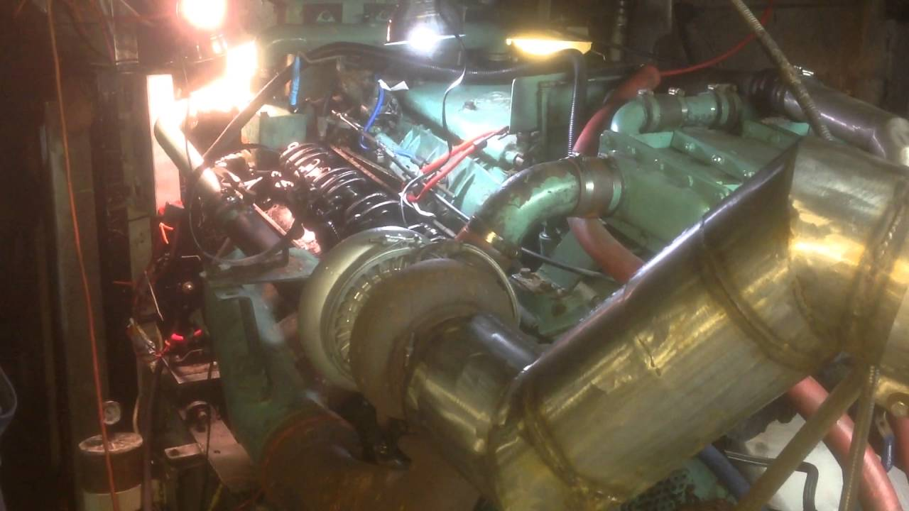 Detroit Diesel 8V71 Turbo Marine Engine: