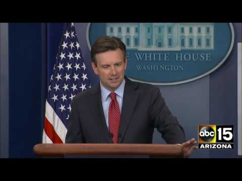 Josh Earnest asked about Colin Powell saying Hillary Clinton trying to pin e-mail scandal on him