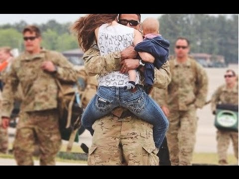 Soldiers Coming Home Surprise Compilation 2016 - 5