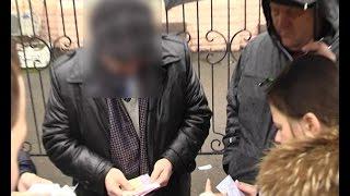 Мэра Люботина задержали за взятку(1 апреля 2015 года мэра города Люботин Владимира Теличко, 3 депутатов (один из них председатель земельной коми..., 2015-04-01T13:45:18.000Z)