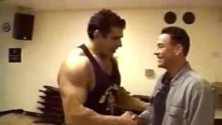 Jean-Claude Van Damme & Lou Ferrigno at Gold's Gym