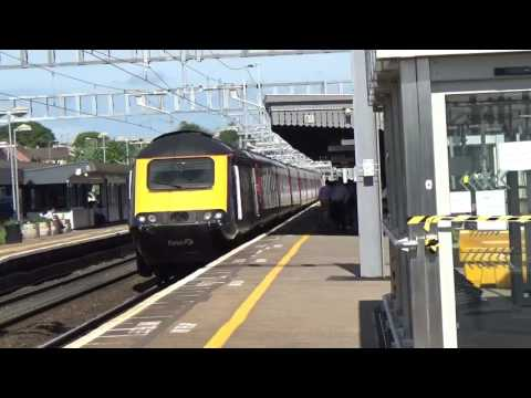 43172 & 43069 on the 1A10 0900 Bristol Temple Meads to London Paddington at Didcot Parkway on 01,06,