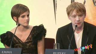 """Emma Watson and Rupert Grint Talk Favorite Films on the """"Harry Potter and the Deathly Hallows"""" Panel"""
