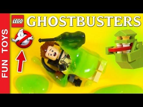 Geléia faz uma grande confusão e os Caça Fantasmas são chamados p/ pegá-lo! Será que vão conseguir?: Neste curta o Geléia cria uma GRANDE confusão e os Caça Fantasmas são chamados para resolver o problema!!! Esta é só uma parte do vídeo que fizemos montando o brinquedo Lego Ghostbusters 21108 Assista ao vídeo completo clicando aqui: https://www.youtube.com/watch?v=-HnalrWyDe8&list=PL2edokDcUWHLRrau5wZfxiP5gZjU7EHhA  No vídeo aparecem: Egon, Peter, Ray, Winston, Ecto 1 e Geléia.  Comente abaixo qual foi a parte que você mais gostou!   Não se esqueça de dar um JOINHA no vídeo, MOSTRAR este vídeo para seus amigos e parentes e de se INSCREVER no canal: https://www.youtube.com/funtoysbrinquedosvideos/videos?sub_confirmation=1  Compre brinquedos Caça Fantasmas Lego aqui: http://amzn.to/2drgwIu  SIGA-NOS / FOLLOW US: 😀 😅 😉 😍 😗 😜 😎 ✦Inscreva-se: https://www.youtube.com/channel/UCVOq9DX3BL9bBU9FrG5MpMA?sub_confirmation=1 ✦Twitter: https://twitter.com/FunToysBrinque ✦Google+: https://goo.gl/QVmgp0 ✦Instagram: https://instagram.com/fun_toys_brinquedos/ ✦Blog: http://festadeideias.com.br/Fun_Toys_Brinquedos/ ✦Facebook: https://www.facebook.com/Fun.Toys.Brinquedos.YT  VEJA ABAIXO outros vídeos legais: - Todos os Gameplays: https://www.youtube.com/watch?v=4DElElgNGB4&list=PL2edokDcUWHIZRjdi8d-Gj3NaBM8UWN8r  - Todos as Construções de Lego com Minecraft: https://www.youtube.com/playlist?list=PL2edokDcUWHLtdIVszqrE2C9BI1AmTrW9  - Todos de fazer com lápis papel e alguns com lego: https://www.youtube.com/playlist?list=PL2edokDcUWHLy2CKSSjocDGgMD5Y8lAXL  - Todos com Estorinhas com brinquedos: https://www.youtube.com/playlist?list=PL2edokDcUWHJqv9GlD0UFfNiqVfwFysv0  - Meus vídeos Favoritos: https://www.youtube.com/playlist?list=PL2edokDcUWHJkaMtTyWXEODq8703ra-Lu  - Todos os nossos vídeos de Star Wars: https://www.youtube.com/playlist?list=PL2edokDcUWHIbLmvKreS8ToGqLdvYgA8I  - Aqui você pode ver TODOS os vídeos: http://bit.ly/FunToysVideos  - Faça sua PRÓPRIA Pokebola com Lego ou no MINE