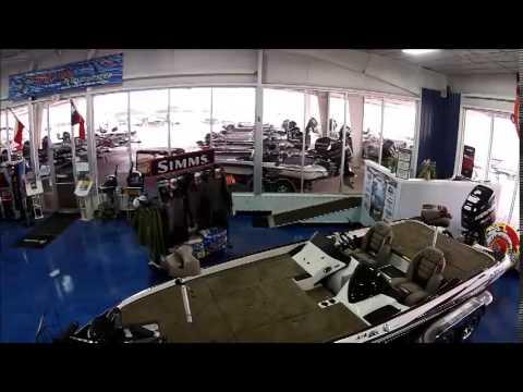 Texas Boat World Showroom, Floor looks like water.