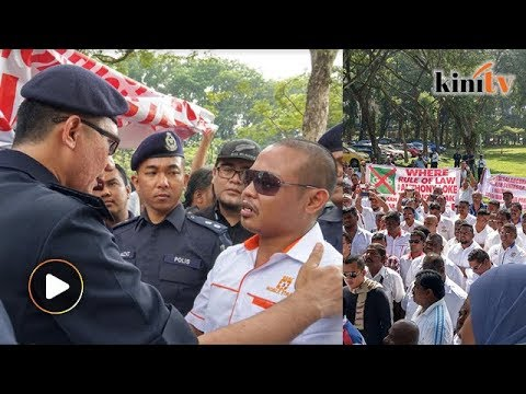 Taxi drivers protest near Parliament, furious over Grab
