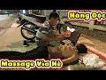 Bất Ngờ Với Massage Vỉa Hè Độc Nhất Chỉ Có Ở Sài Gòn, Giá 50k Một Suất