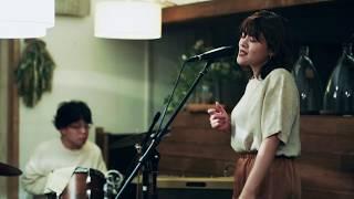 """""""June"""" live session at guzuri / 優河 with 魔法バンド"""