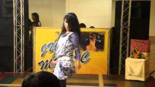 LEFT LEG AAGE-AAGE - DANCE PERFORMANCE BY RIYA