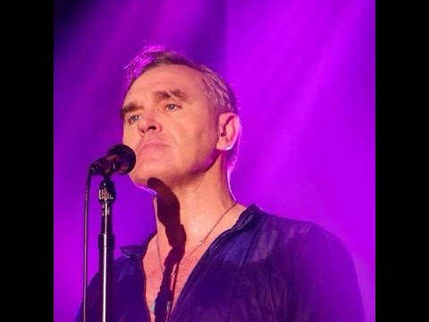 MORRISSEY live in Florence - part 1 - ( start show )