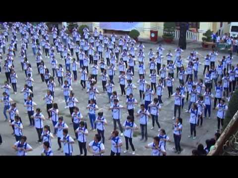 """Nhảy dân vũ """"Nối vòng tay lớn"""" (ĐH Sài Gòn)"""