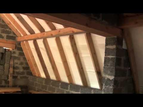 видео: Как утеплить опилками крышу мансарды?