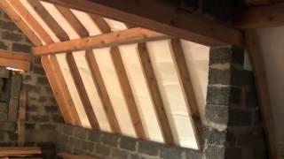 Как утеплить опилками крышу мансарды?