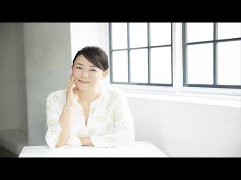 女優として活躍する床嶋佳子が、初のライフスタイル本「床嶋佳子のビューティーライフ」を上梓。本書では彼女が普段行っている肌や体のケア...