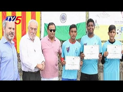 Selected Foot Ball Players from Hyderabad Sports Village Completes Training in Spain | TV5 News