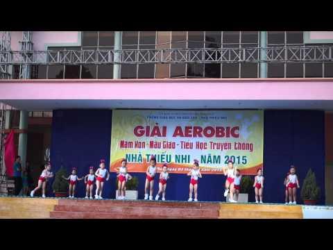 Giải Aerobic 2015 bài Búp bê bằng bông