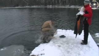Крещение 2010(Крещенское моржевание на реке Конка 19 января 2010 года. г.Цюрупинск Херсонской области., 2011-10-04T20:05:28.000Z)