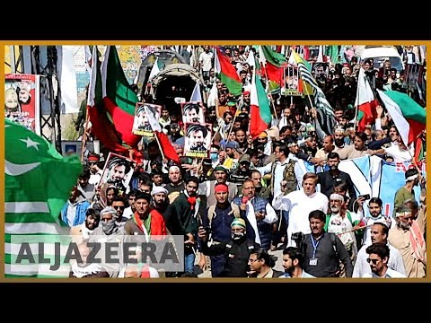 Pakistani-administered Kashmir: Hundreds of people are marching towards the unofficial border
