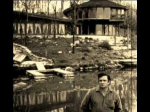 Hello I'm Johnny Cash  by Alabama3