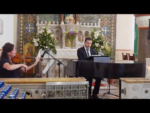 The Claddagh Church Wedding,  Galway,  Ag Criost an Siol,