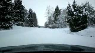 Subaru Legacy Outback 2002 vs. 35cm deep snow (measured at 3:10)