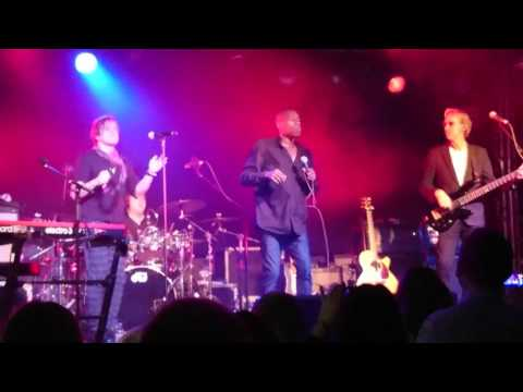 Mike And The Mechanics / Andrew Roachford Cuddly Toy @ Mandela Hall Belfast