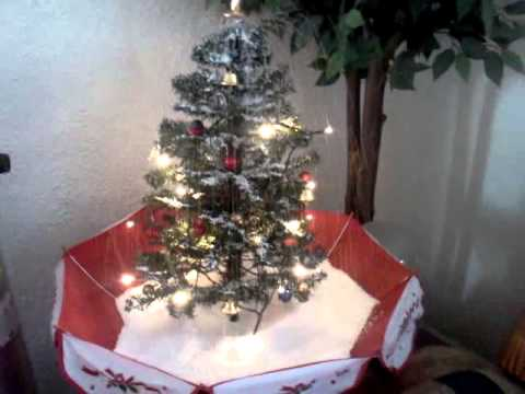 Ahh a little umbrella Christmas tree of the year. - YouTube