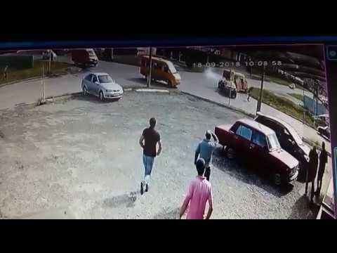 18.09.2018 Авария на  перекрестке улиц Весенняя/Гагкаева (г.Владикавказ)