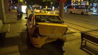 Bursa'da Kaza Arkadan Çarptığı Aracı Yaya Yoluna Fırlattı
