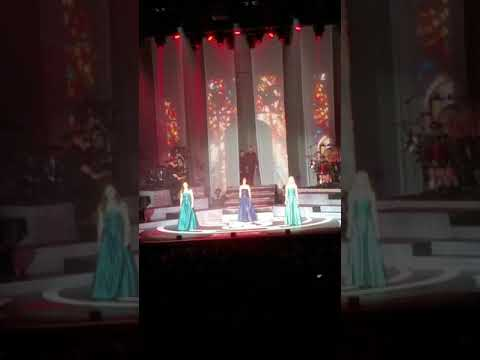 Celtic Women Concert Amazing Grace With Bagpipes