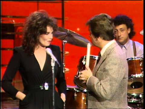 Dick Clark Interviews Motels - American Bandstand 1982