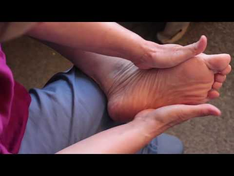 Give Yourself a Gift of Health with Learning Foot Reflexology to Promote Deep Relaxation