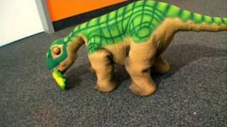 CNET.de - Pleo von Ugobe - Roboter Dinosaurier - Geschenktipp - Test