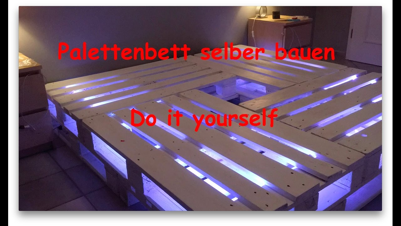 Palettenbett selber bauen youtube for Bett 2x2 meter
