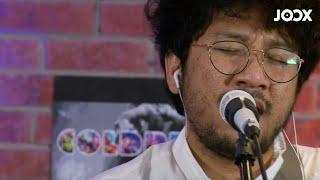 Kunto Aji - Pilu Membiru (Live on JOOX)