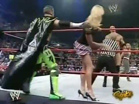 (720pHD): WWE Raw 07.19.04: Trish Stratus & Stacy Keibler ...