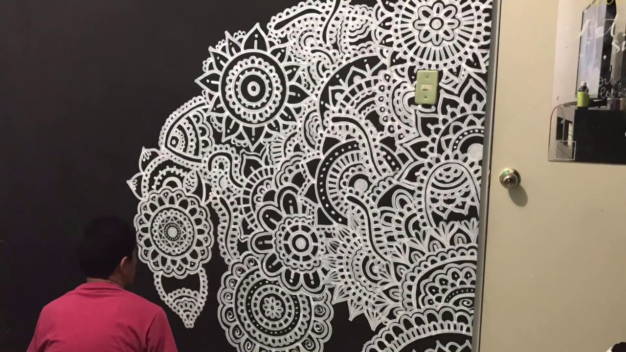 Mural de mandalas zentangle en la pared youtube for Mural mandala