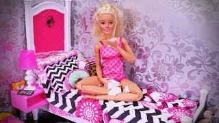 Chora Barbie ❄ Sposób na przeziębienie i Ken na ratunek!❄ Bajka po polsku z lalkami Morning routine