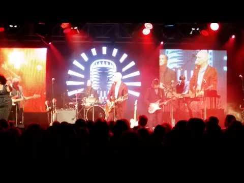 'Sweet Guy' - Vika Bull with Paul Kelly, MOFO, Hobart, 16 Jan 2015