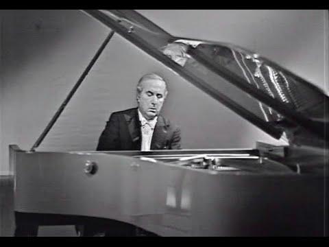Yakov Flier plays Chopin Nocturne op. 48 no. 1 - video