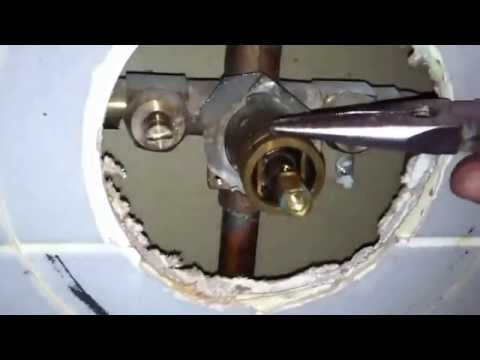 moen-1225-cartridge-replacement-on-shower-valve