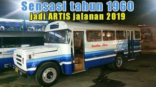 Heboh !! naik Bus Jadul 1963 Dodge Sumber Alam masuk Taman Sari