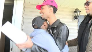 Teen with cancer gets celebrity prom surprise
