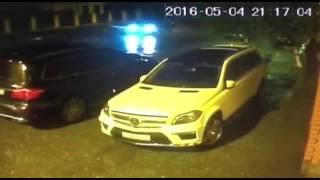 камера сняла как подложили бомбу под Mercedes-Benz...04.05.2016 г.