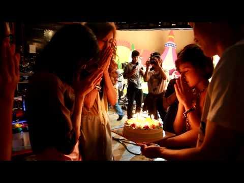 Birthday 3 สาว สตรอเบอร์รี่ ชีสเค้ก