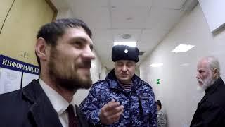 Депутат ЛДПР на интервью с колхозником.