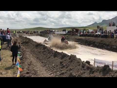 Polaris Bogs At Full Throttle