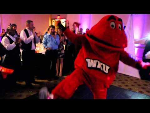 WKU mascot Big Red crashes wedding reception in epic style