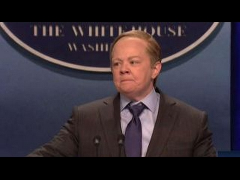 Sean Spicer reacts to Melissa McCarthy's SNL impersonation