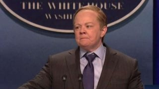 sean spicer reacts to melissa mccarthy s snl impersonation